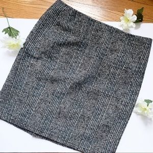 ANN TAYLOR Wool Tweed Mini Skirt Size 6